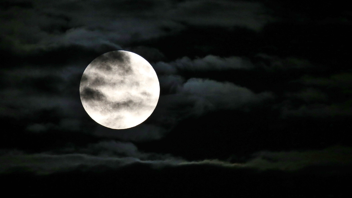 7 Myths And Theories About The Moon - History within Early Civilization Calendar Based On Moon Phases