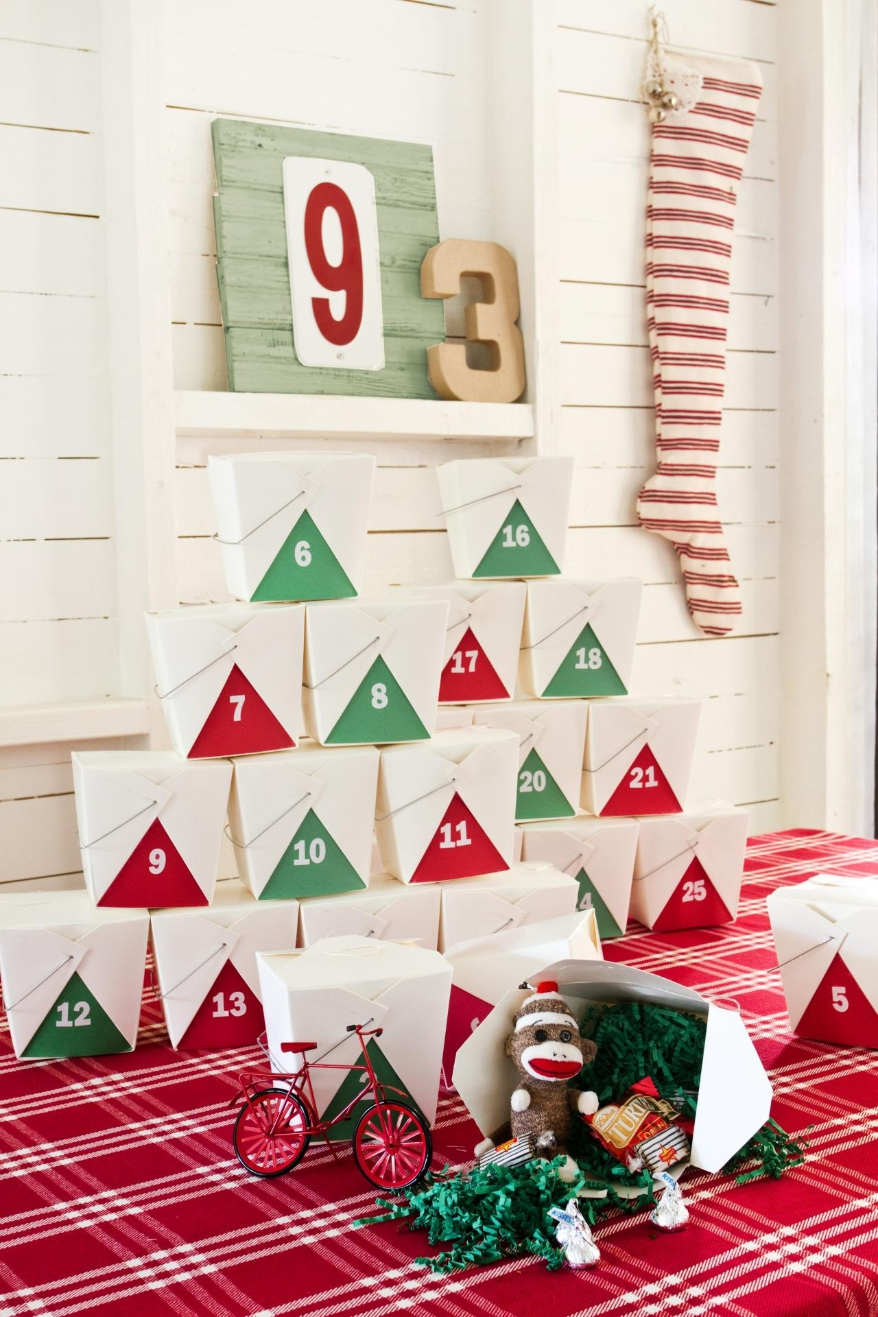 Make Your Own Takeout Box Advent Calendar | Hgtv pertaining to Create An Advent Calender Wooden